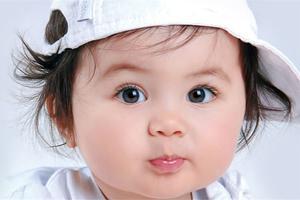 宝宝出现耳朵痛是不是上火引起的?
