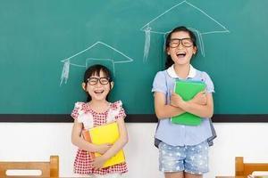 老师当众羞辱孩子 家长该如何介入?