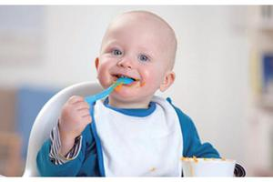 啃指甲、嚼头发、吃鼻屎 宝宝得了异食癖怎么办?