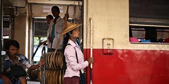 镜头里的真实缅甸