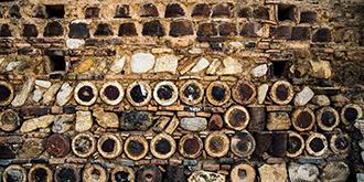 千年古窑村独有的砌墙原料