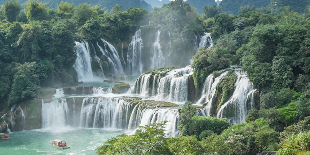 亞洲第一大跨國瀑布
