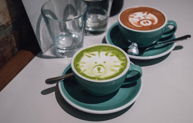 在馥?#21069;?#30340;故乡,喝杯咖啡才是正经事