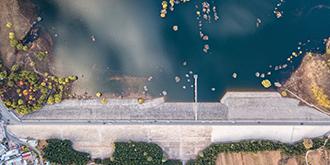 这座水库的美要在空中感受