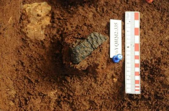 青塘遗址早期陶器出土现场