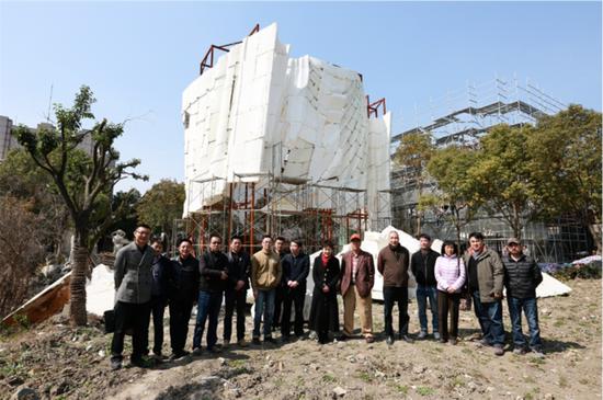 49米高的佛像完工后將會是目前世上最大的室外琉璃雕塑
