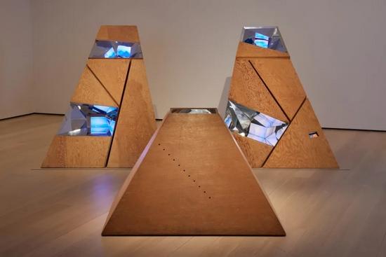 MoMA新展,被忽视的录像先锋艺术家被再次提及