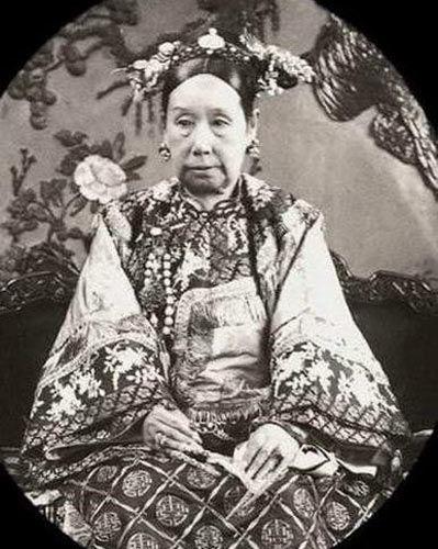 慈禧陵墓珍宝无数 夜明珠翡翠白菜稀世罕见