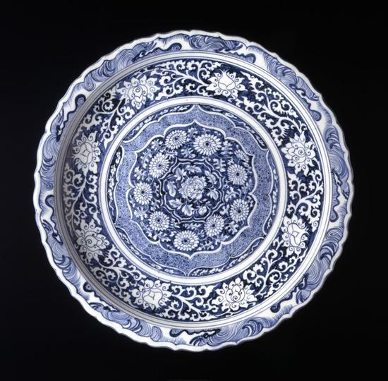 元代的青花瓷盤。