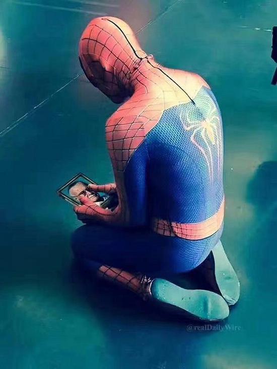 纪念斯坦·李逝世的图片漫威宇宙的超级英雄众多,为何偏偏是蜘蛛侠?