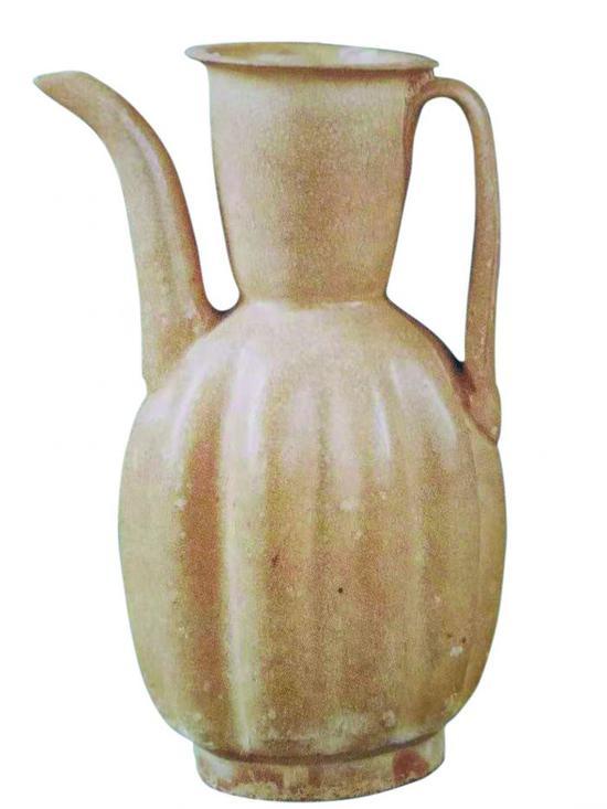 古樸大方的宋代湖泗窯青釉瓜棱執壺