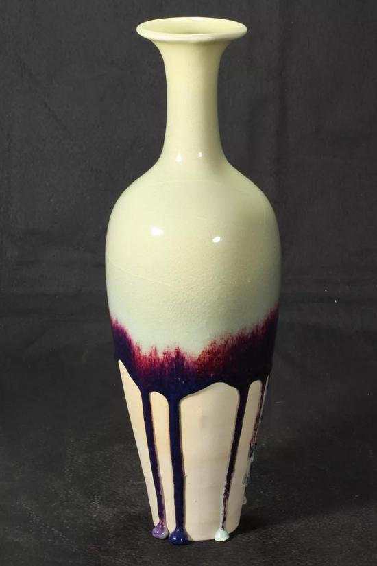 钧瓷淑女瓶 麦叶黄釉紫斑