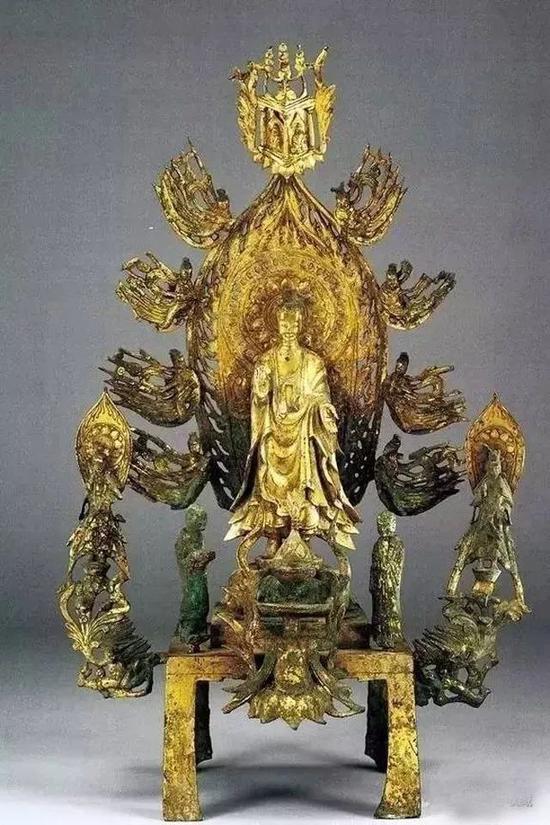 北魏鎏金銅佛像