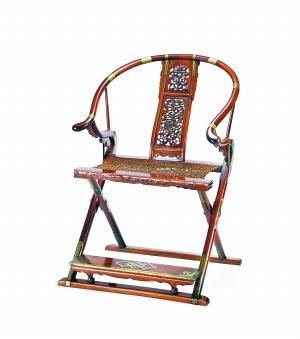 明末清初黃花梨麒麟壽字紋圈背交椅 2737萬元 北京保利