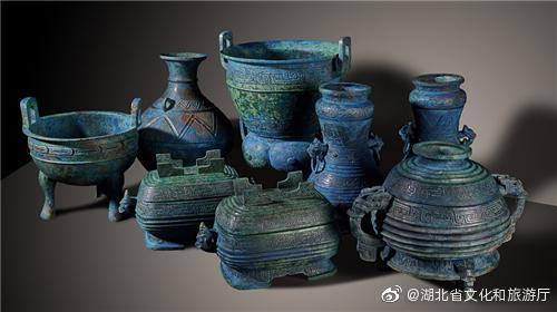 曾伯克父青銅器群從日本追索回國后在湖北展出