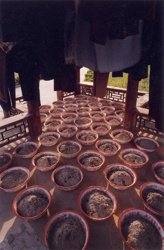 晾衣服,1997年