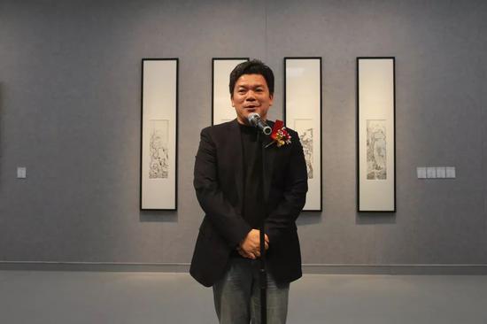 桂林市文聯主席何紹連致辭并宣布展覽開幕