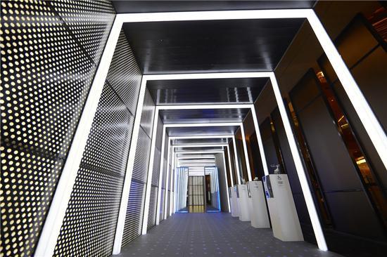 """""""放纵的超体 仿生迷廊""""展览现场,鸣谢广州K11,摄影:朱锐"""