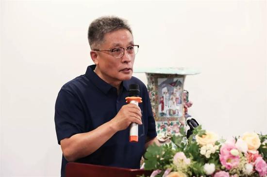 全聯古陶瓷研究會副會長李文年
