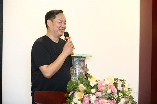 觀瓷書院創始人陳士龍