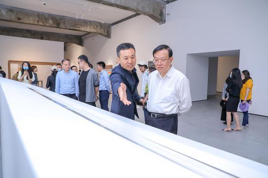"""北京民生现代美术馆疫中新展""""变动中的中国艺术"""""""