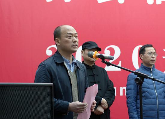 鄭州文聯副主席楊少勇主持開幕式