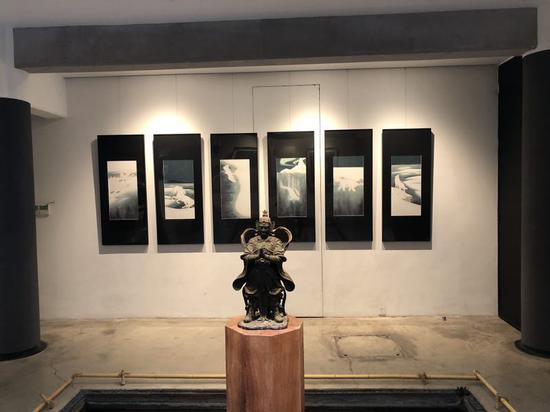 年輕藝術家曹簡繪畫新作在清秘閣開幕