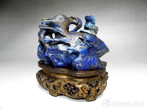 蓝色瑰宝--青金石