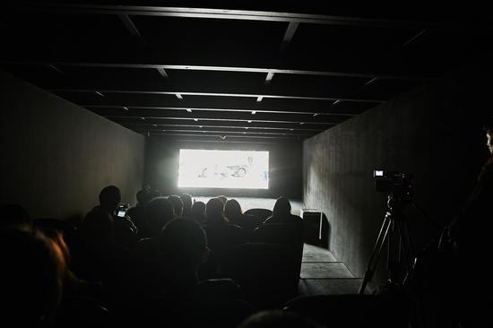 """南昌上海路电影院_""""真实虚构电影院""""上海展出达人数最大值_当代艺术_新浪收藏"""