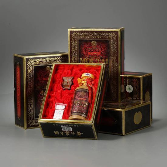 2000年50年陈贵州茅台酒一组5瓶 起拍价RMB:50,000 成交价RMB:88,000