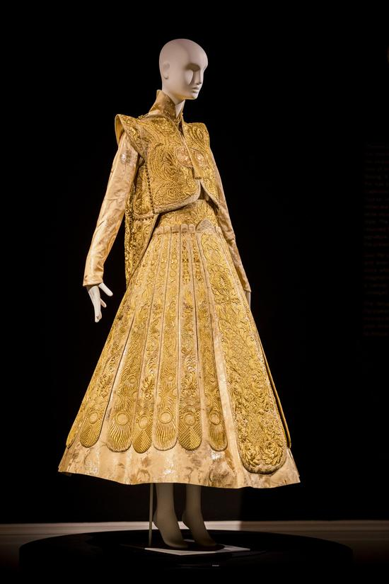 Guo Pei黃金嫁衣