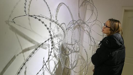 伦敦苏富比学院亚洲艺术主管何凯特教授参观展览