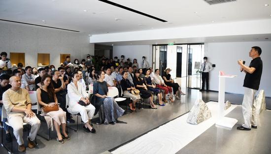 珀萊雅青藤藝術中心支持女性藝術家事業發展