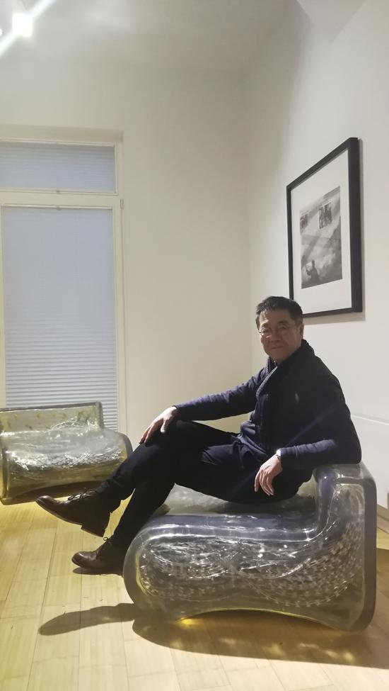 王璜生在波恩当代艺术馆展场