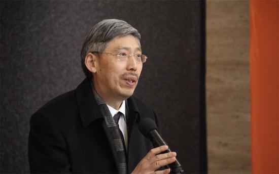 浙江省人大文教专委会副主任田宇原宣布展览开幕