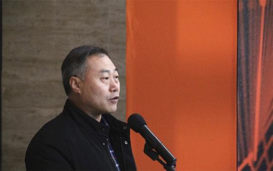 中国摄影家副主席杨越峦开幕?#34903;?#36766;