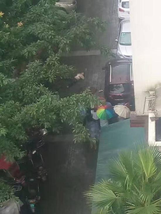 重庆一女子坠楼身亡 警方正在进行调查(图)