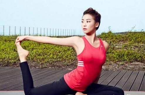 练瑜伽 无法减重_瑜伽排毒 4个动作减肚子|瑜伽|减肚子_新浪时尚_新浪网