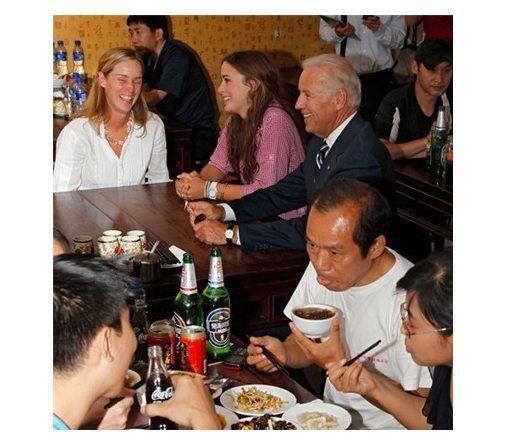 卡梅伦成都火锅店_那些年被中国菜所征服的各国元首们 元首 中餐 饮食文化_新浪