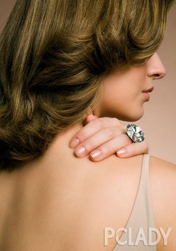 圆肩厚背_3种方法帮你摆脱背部赘肉|动作|身体|心机_新浪时尚_新浪网