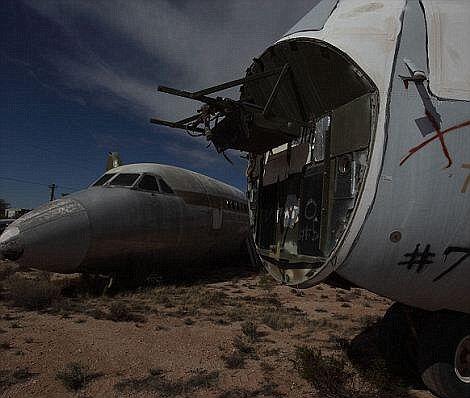 """微软必应地图揭秘美国亚利桑那""""飞机坟场"""""""