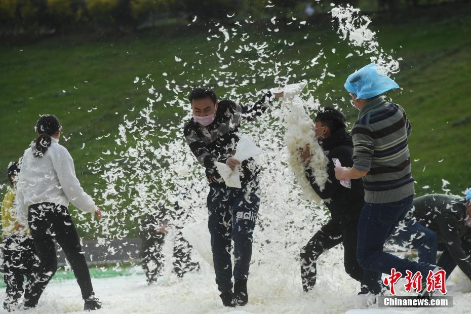 武汉Vlog:封城进行时,武汉人的生活万象