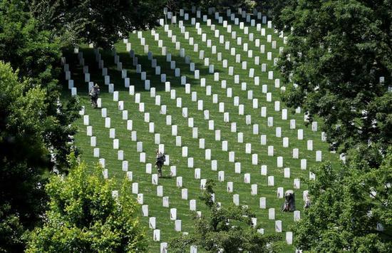 美国阿灵顿国家公墓(路透社)