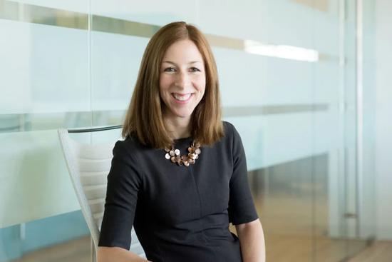 伊丽莎白·罗森伯格(Elizabeth Rosenberg)。/新美国安全中心网站截图