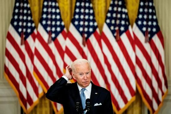 美国总统拜登8月16日表示,美军撤出阿富汗是正确决定,同时承认阿局势恶化快于美方预期。图/人民视觉