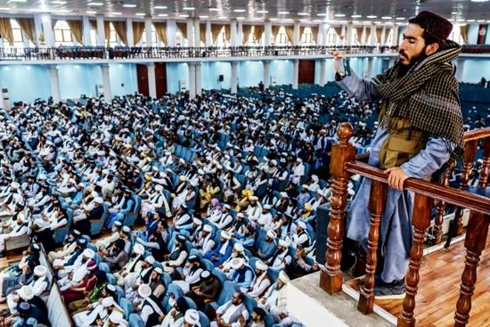 8月23日,阿富汗喀布尔,数百名宗教领袖出席大支尔格大会。图/人民视觉