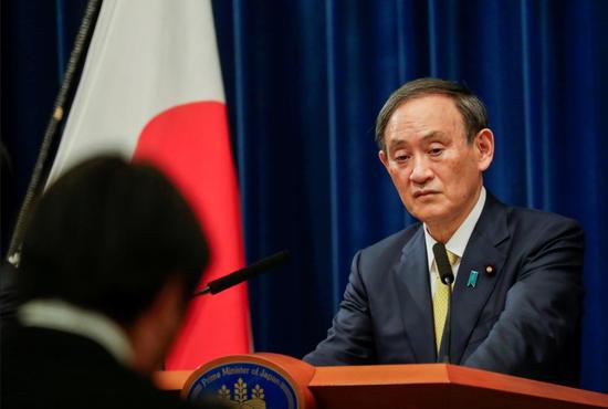 资料图:日本首相菅义伟(路透社)