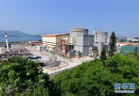 这是位于广东深圳的大亚湾核电基地两台机组(2019年8月8日摄)。 新华社记者 李贺 摄