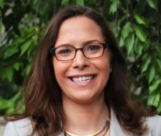 罗拉·罗森伯格(Laura Rosenberger)。/ 推特头像
