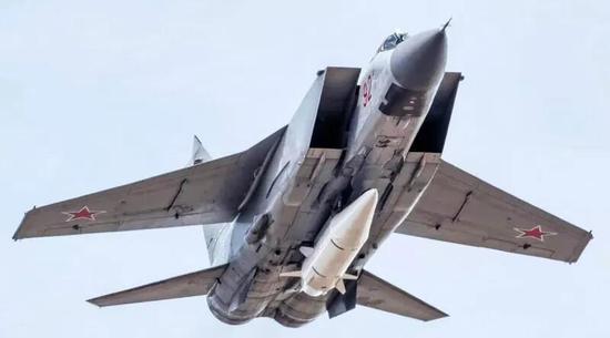 """挂载""""匕首""""导弹的米格-31K战斗机"""
